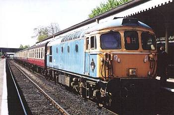 117 earlier in 2002, 11th May on 11am Bury - Ramtenstall.<br /> photo D.Robinson