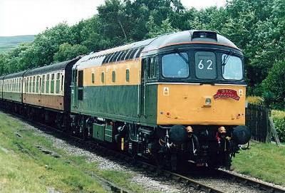 33201 at Irwell Vale, East Lance Rly., Diesel gala week, 5th July. Photo D.Robinson