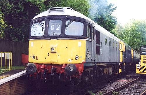 33065 leads 063 at Shepherdswell with the 10.00 departure to Eythorne, Monday 6th May