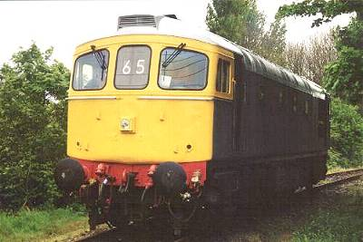 33065 positioned at the crossing, Eythorne, for drive-a-loco 5th May. photo D.Robinson