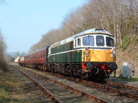 33110 at Boscarne 23/3/03 photo D.Robinson